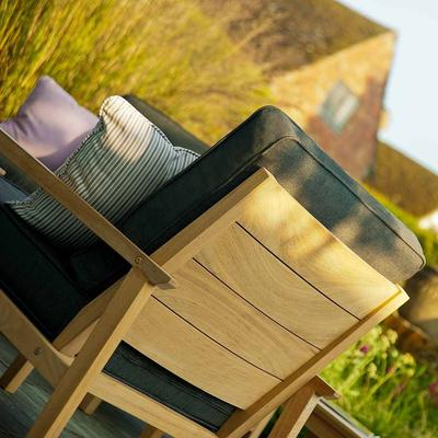 Roble Garden Lounge Chair image 4