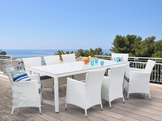 Luxurious Weatherproof Wicker Chair image 2