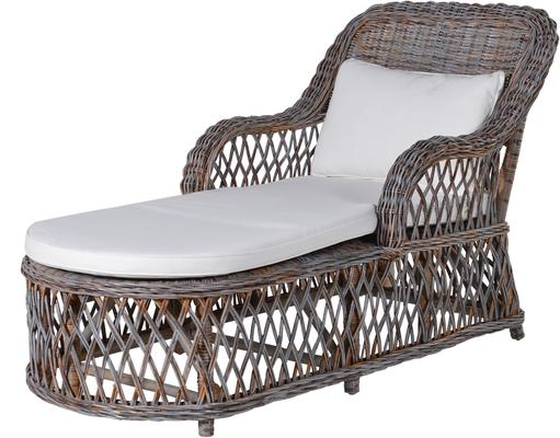 Retro Rattan Lounger