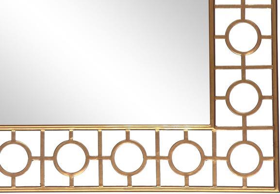 Tarah Mirror image 3