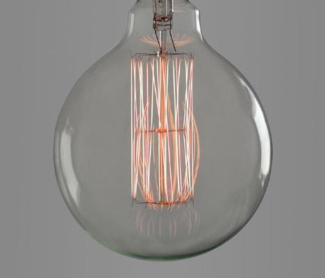 Nostalgia Lights Super Globe light bulb - 125mm. 40w. 300hrs image 2