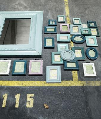 Combination Photo Frame for Five Pictures - Green Distressed Finish image 3