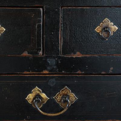 Painted Three Drawer Coffer image 3