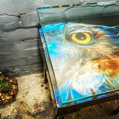 Electric Owl Side Table with Glass Top image 3