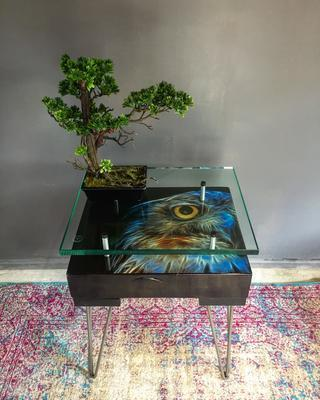 Electric Owl Side Table with Glass Top image 5