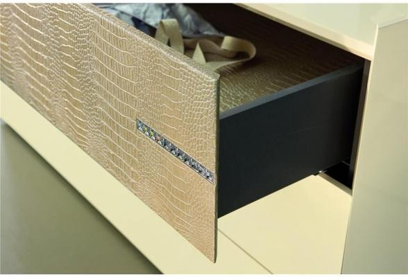 Diamond 3 drawer dresser image 3