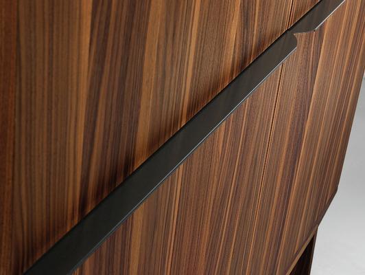 Arco 4 door cupboard image 3