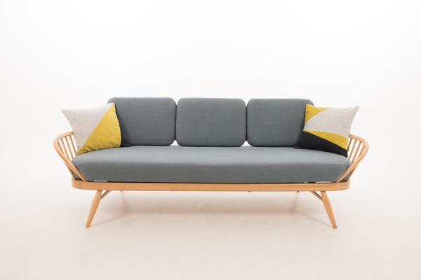 Ercol Original Studio Couch/Daybed 355