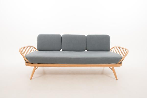 Ercol Original Studio Couch/Daybed 355 image 3