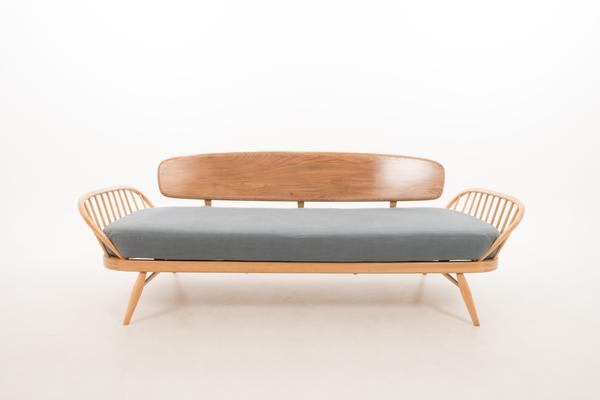 Ercol Original Studio Couch/Daybed 355 image 4