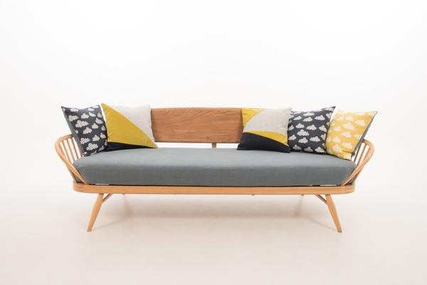 Ercol Original Studio Couch/Daybed 355 image 5