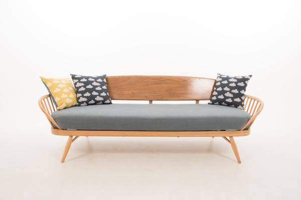 Ercol Original Studio Couch/Daybed 355 image 6