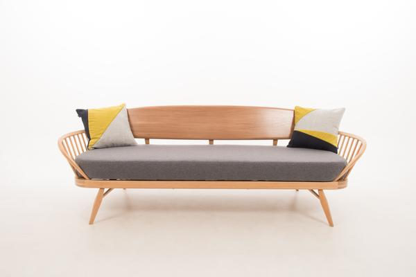 Ercol Original Studio Couch/Daybed 355 Blonde