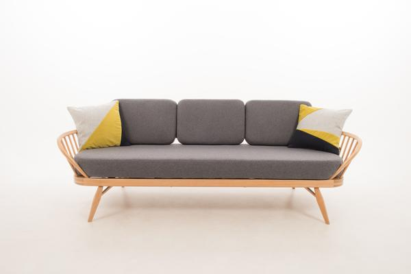 Ercol Original Studio Couch/Daybed 355 Blonde image 3