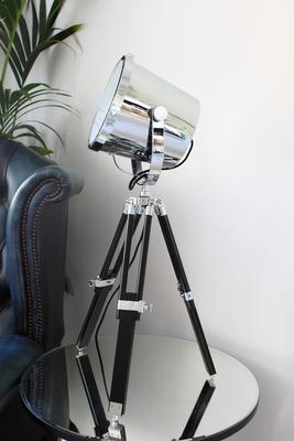 Hollywood Tripod Table Lamp image 3