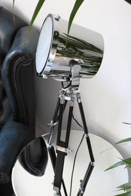Hollywood Tripod Table Lamp image 4