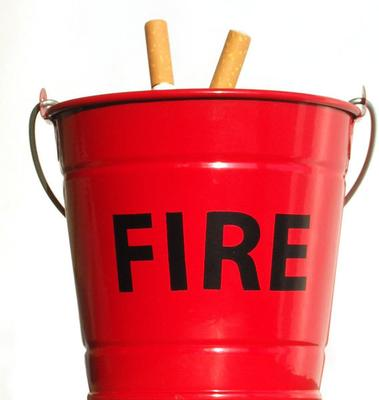 Suck UK Fire Bucket Ashtray [D] image 3