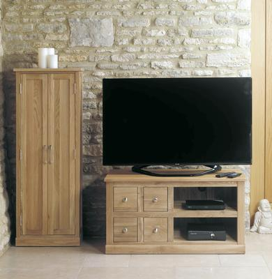 Mobel Oak Four Drawer TV and DVD Cabinet image 2