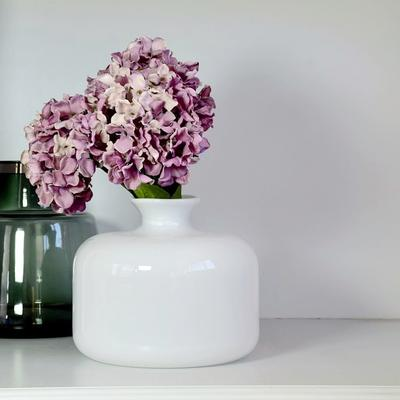 Glass Vase Blanche 25cm