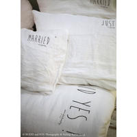 "Stonewashed linen duvet cover ""Just Married"", 220 x 240 cm, white"