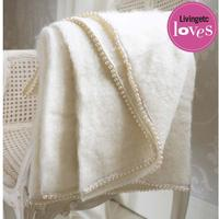 Pearly Queen Throw